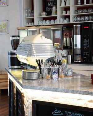 Das GlücksCafé Auerbach ein Ort zum Wohlfühlen mit einer wunderschönen Einrichtung im Vintage Stil.