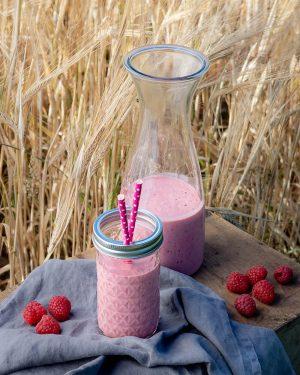 Erfrischender Himbeer-Joghurt-Shake ohne Industriezucker