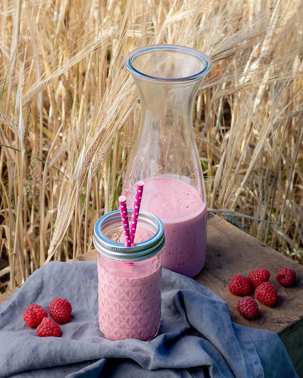 Erfrischender Himbeer-Joghurt-Shake