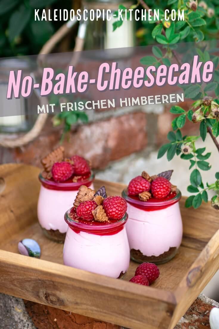 No-Bake-Cheesecake im Glas mit frischen Himbeeren