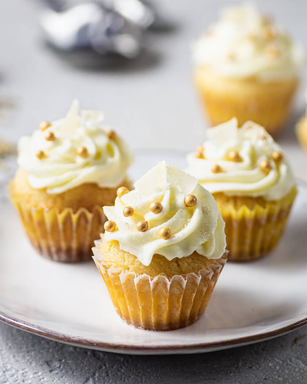 Mini Gin Tonic Cupcakes