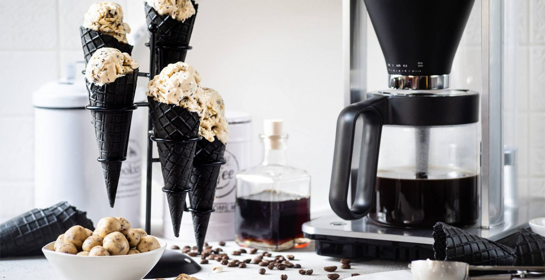 Cookie Dough Eis mit Kaffeesirup