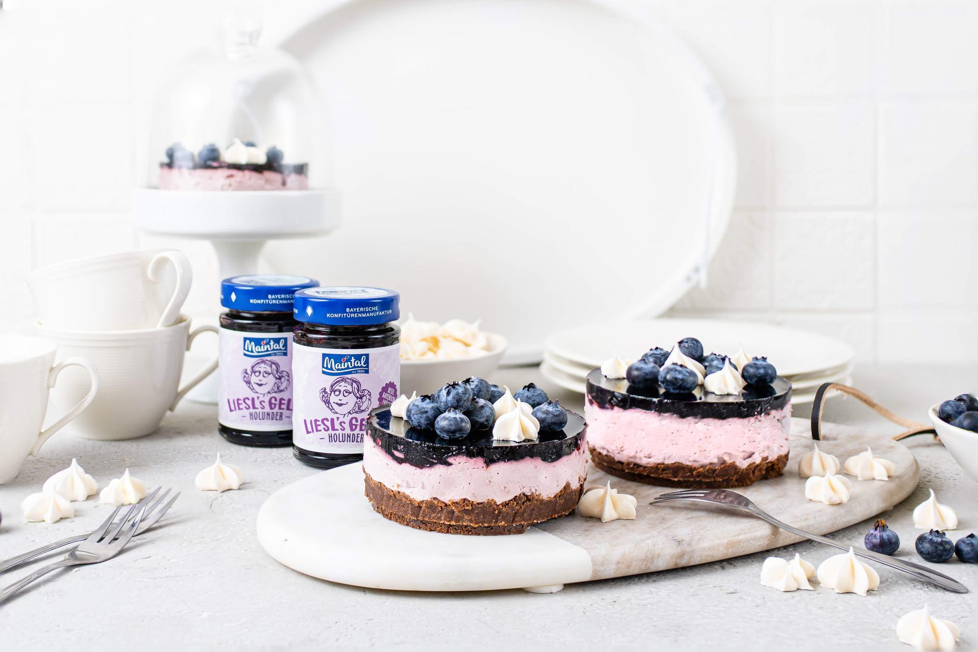 Mini - Holunder - Cheesecake mit Baiser