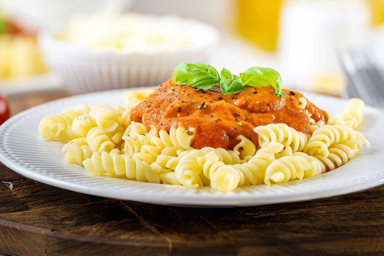 Nudeln mit Tomatensoße - ein Gericht für Kinder