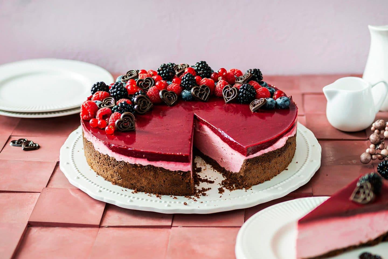 Fruchtiger Cheesecake mit Keksboden